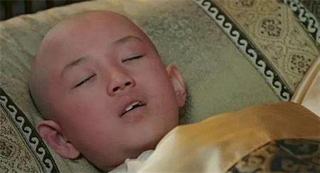 嘉庆成为太子后,乾隆为什么要求他去祭拜一个年仅9岁的孩子?