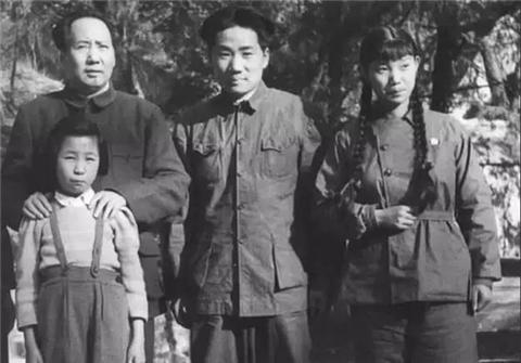 毛岸英牺牲后,刘思齐5次赴朝祭拜,为何76岁才完成毛主席嘱托?